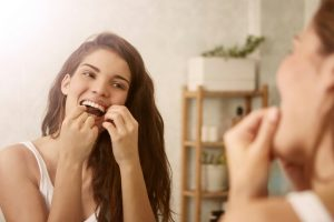 5 Reasons to Floss Your Teeth Every Single Day