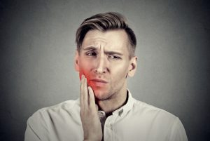 4 Potential Causes and Treatments for Painful Gums