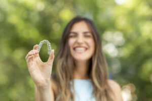 Traditional Orthodontics or Invisalign: Which is the Better Option?
